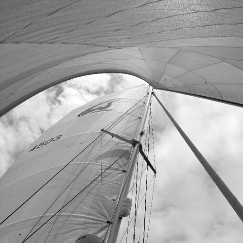cruiser sailboat sails